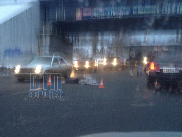 Размещены фотографии сместа смертоносного наезда напенсионерку вВоронеже