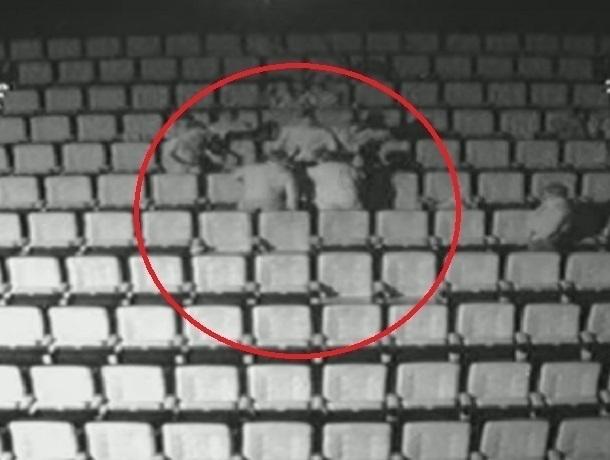 Появилось видео массовой потасовки в кинозале «Люксор» вВоронеже