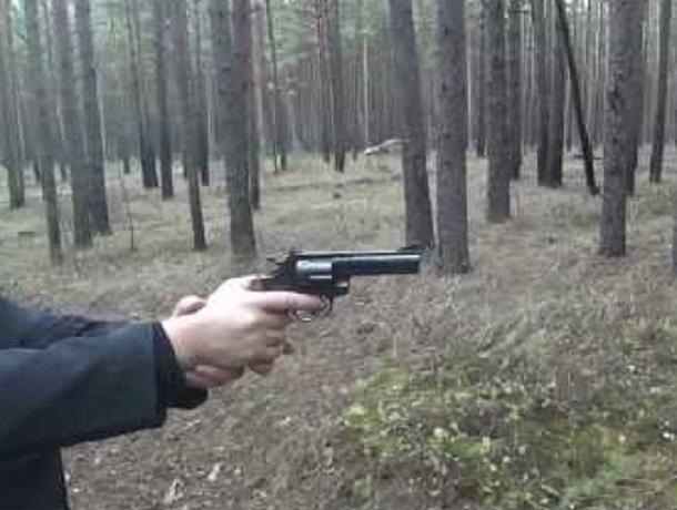 ВВоронеже полицейский выдал официальное разрешение наоружие рецидивисту