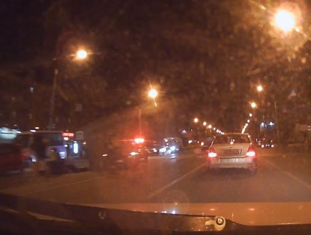 В Воронеже последствия наезда машины на пешеходов сняли на видео