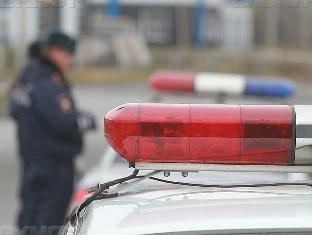 Саратовец на Фольксваген насмерть сбил женщину наворонежской трассе