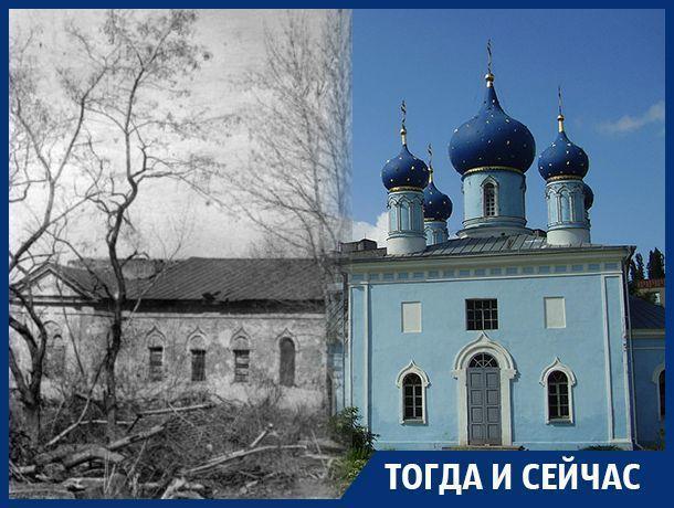 Вокруг чего с давних времен развивался левый берег Воронежа