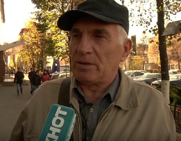Митинг против платных парковок собирается устроить воронежец