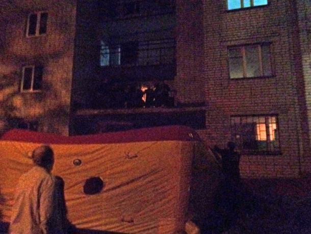 В Воронеже спасли мужчину, забравшегося на козырек балкона