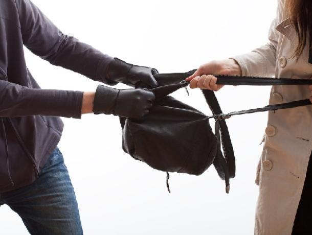 21-летний парень грабил пенсионерок на улицах Воронежа