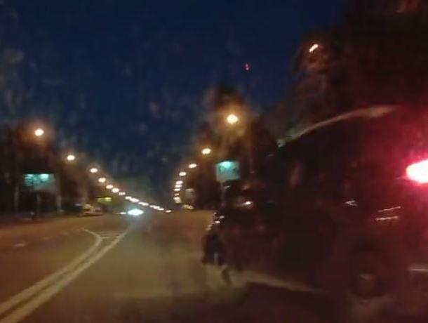 Момент ДТП с пьяным водителем внедорожника попал на видео в Воронеже