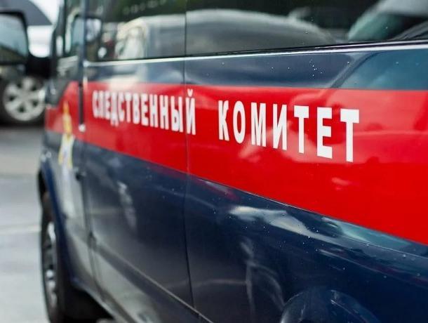 90-летний пенсионер выпал из окна квартиры в Воронеже