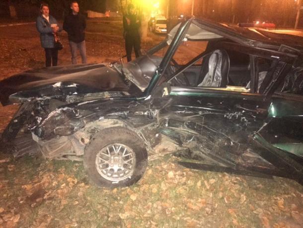 Жуткие последствия столкновения ВАЗ и  Volkswagen показали в Воронеже