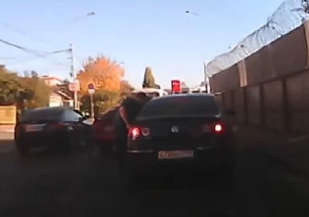 Погоню и разборки водителей сняли на видео в Воронеже