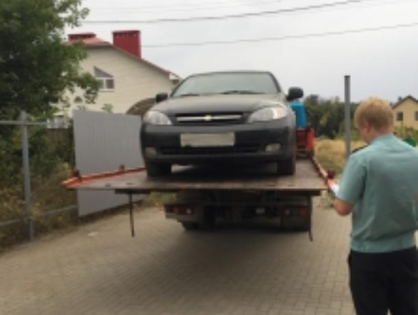 Женщине не удалось скрыть от приставов Chevrolet Lacetti в воронежском поселке