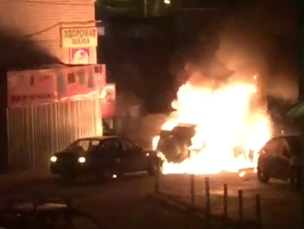 Последствия взрыва Toyota у храма в Воронеже попали на видео