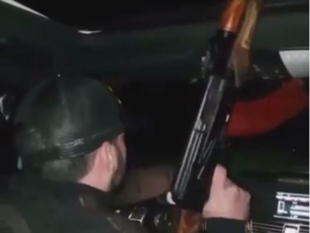 Мажор за рулем Mercedes стрелял на ходу из АК-47 в Воронеже