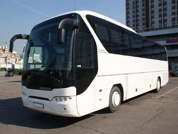 Автобус с 13 пассажирами попал в аварию на воронежской трассе