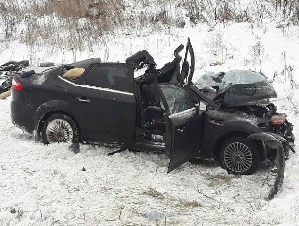 ВВоронежской области вДТП погибли трое, еще пятеро пострадали