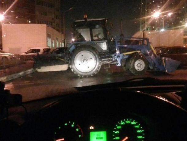 Воронежцы решают, как отомстить автохаму на тракторе