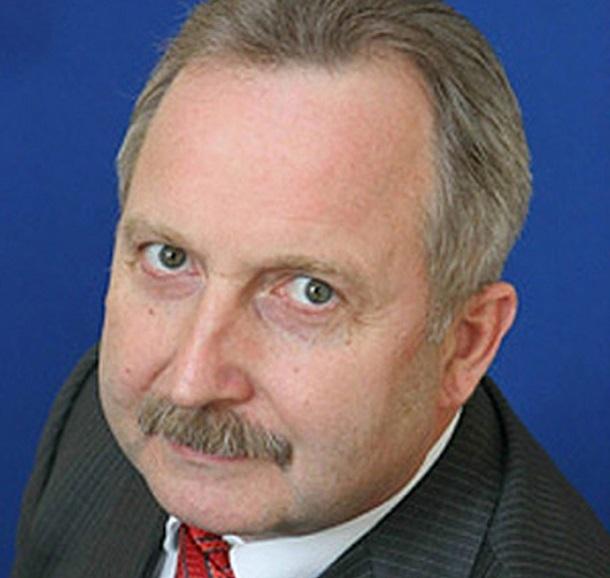 Спрыгивал ли глава секретариата Гордеева на «золотом парашюте» с вертолётного скандала