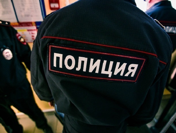 Под Воронежем нетрезвый депутат избил лучшего участкового области
