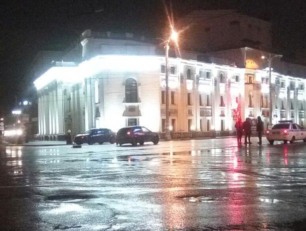 Воронежцы пожаловались, что в центре города отлетают колеса