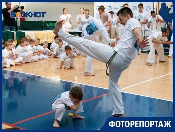 Силу и грацию Capoeira продемонстрировали спортсмены в Воронеже