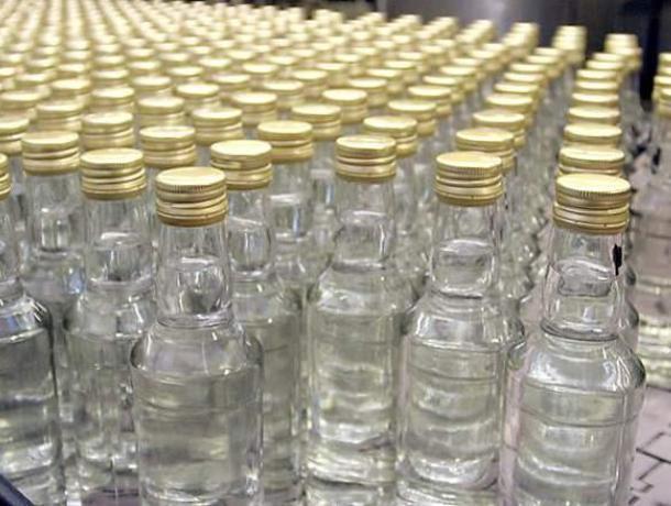 Воронежец предложил полицейскому взятку, чтобы тот незабрал его спирт