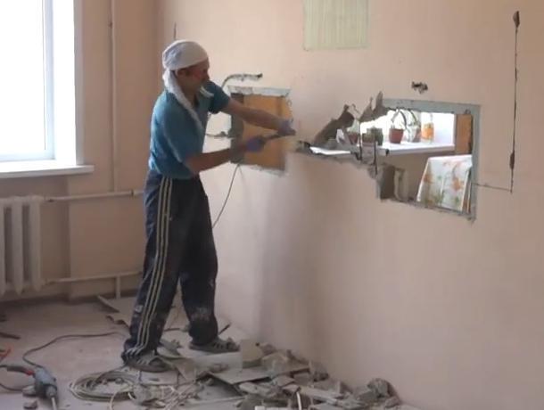 В Воронежской городской поликлинике №3 радикально решают проблему «низкого окошка»