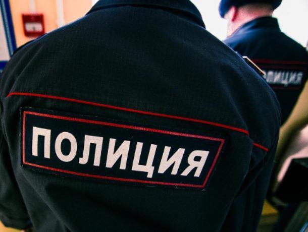 Высокопоставленный полицейский незаконно держал в камере жительницу Воронежа