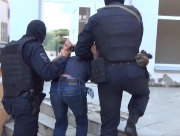 Опубликовано видео задержания членов межнациональной ОПГ в Воронеже