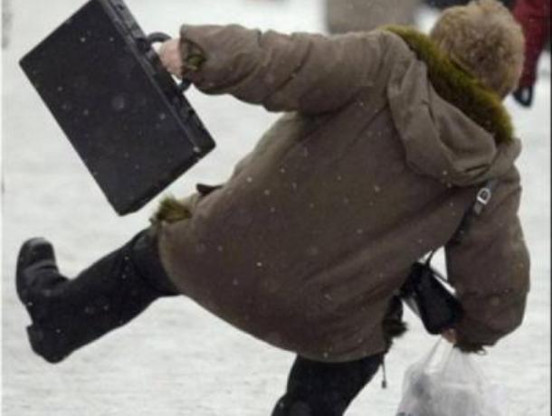 За неделю почти 400 жителей Воронежа получили травмы из-за снега и льда