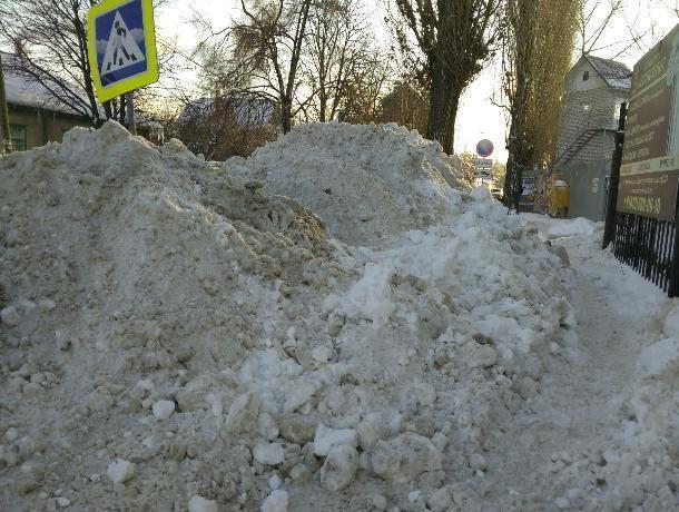 В Воронеже прокуратура уличила коммунальщиков в халтурной уборке снега
