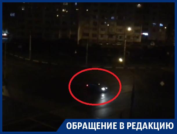 Свистящий дрифт поднял жителей Воронежа с постели в пять утра