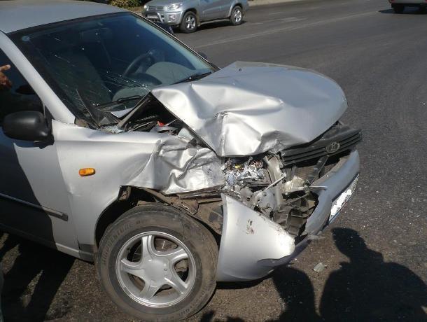 ВВоронежской области натрассе столкнулись шесть машин