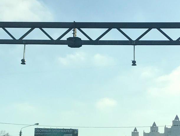 Вопрос воронежской автомобилистки про «умные светофоры» вызвал волну шуток