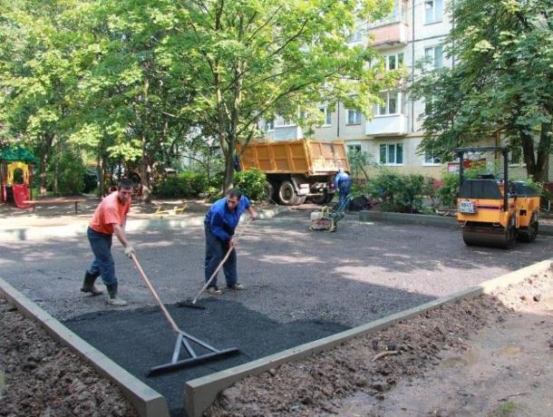 В Воронеже за 3 млн рублей благоустроят два двора в Советском районе