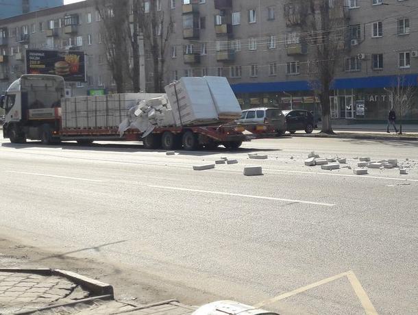«Пункт назначения» по-воронежски показали на фото с грузовиком