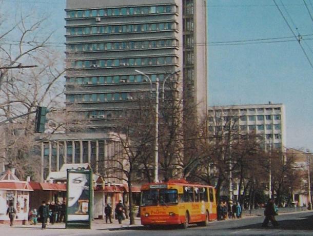Жители Воронежа устроили спор из-за старого фото улицы Кирова