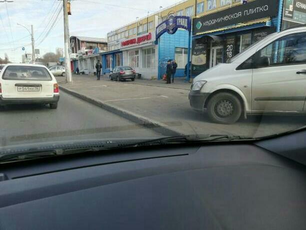 Платная парковка калечит автомобили в Воронеже