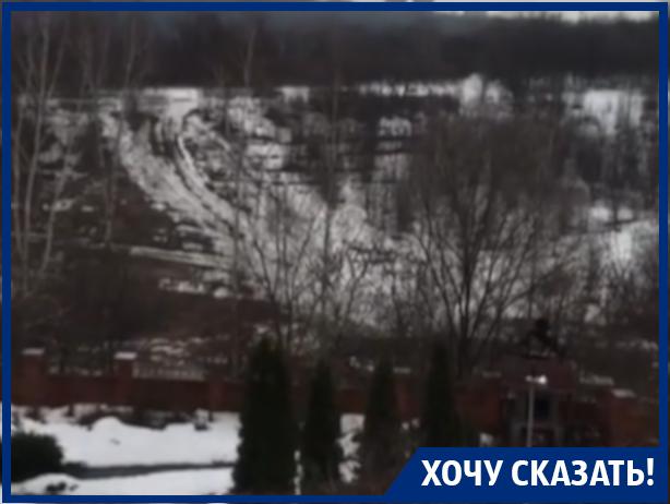 Воронежцы попросили Кстенина спасти их от смрадной вони по ночам