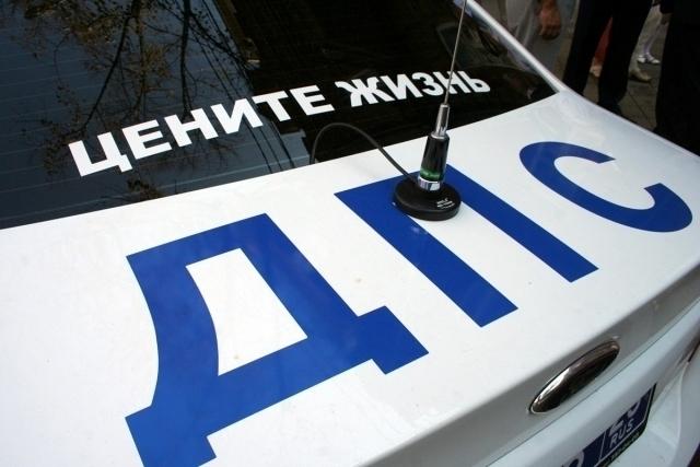 «Газель» сбила двух пешеходов на трассе под Воронежем