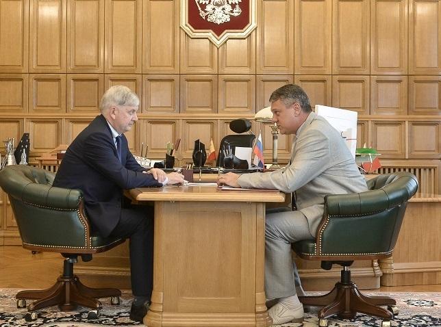 Преемник Селянина рассказал воронежскому губернатору про деньги и выборы