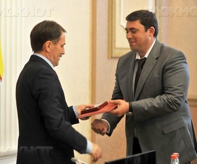 Максим Увайдов покидает воронежского губернатора ради прежнего шефа