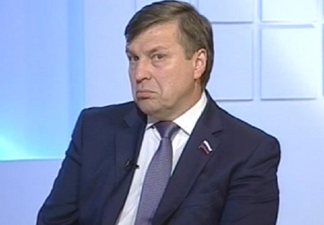 Депутат и гендиректор воронежской «АиФ» придумал, как использовать журналистов на выборах президента