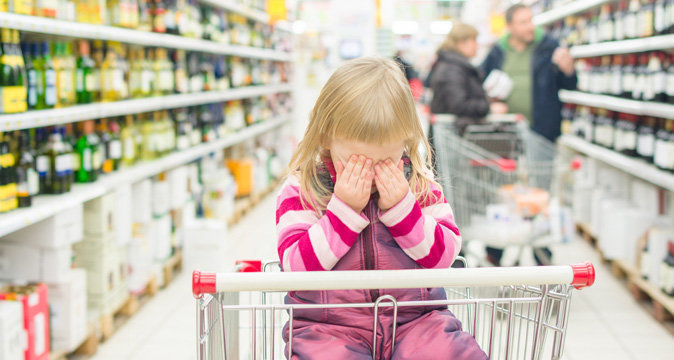 Воронежская мать заставляла 8-летнюю дочь пить водку