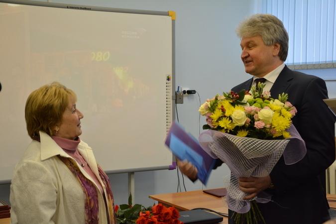 Спикер Воронежской гордумы достиг по доходам уровня жены образца 2015 года