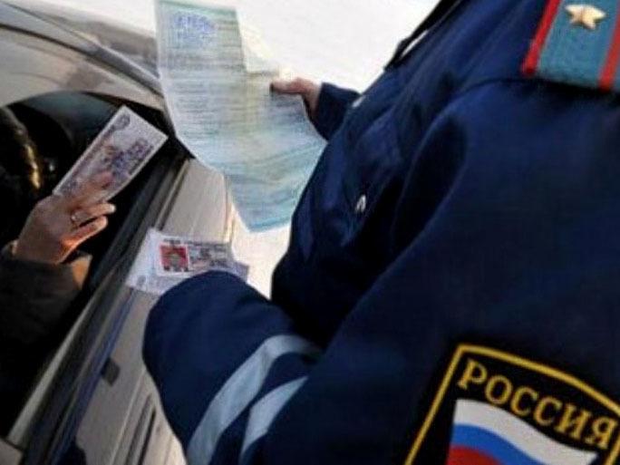Завзятку инспектору ДПС жительница Воронежской области ответит всуде