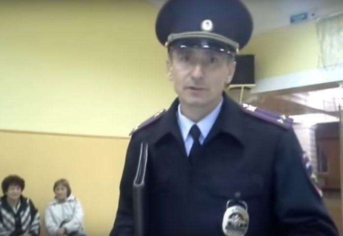 Видео удаления с УИК кандидата в Семилуках может стать пособием для сотрудников полиции на выборах-2016