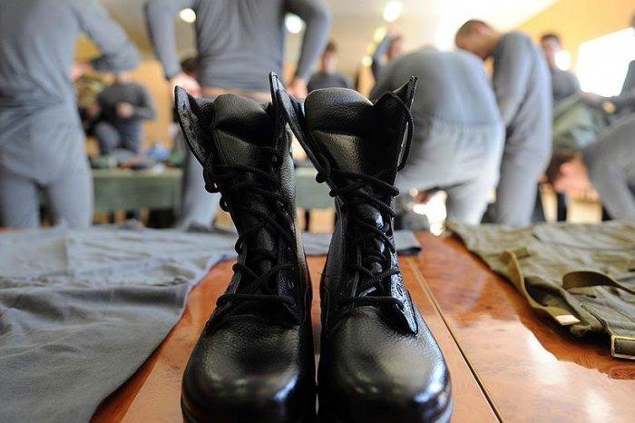 1,6 тысячи воронежцев бегают от армии