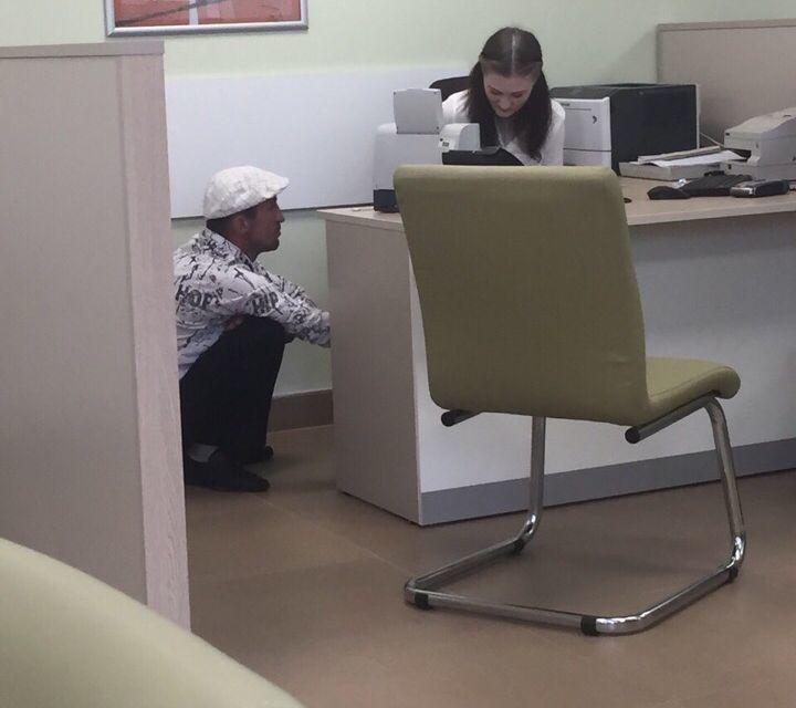 Клиент банка на кортах ввел воронежцев в замешательство
