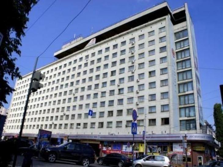 Галину Кудрявцеву срочно попросили прервать пресс-конференцию и покинуть гостиницу Азимут