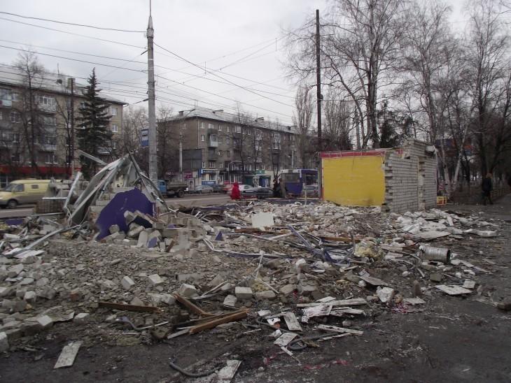 В Воронеже коммунальщики «разбомбили» остановку проспект Труда (ФОТО)