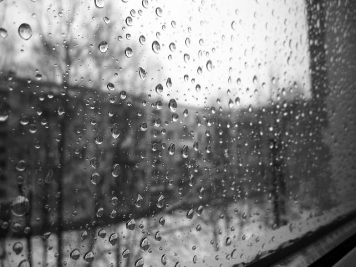 Кто - ниубдь, когда -нибудь гулял под дождем? как же клево, когад на улице + 35 и идет дождь
